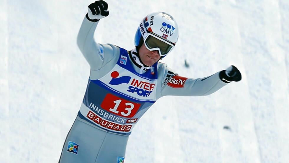 NEST BEST: Kenneth Gangnes ligger på 2. plass før finaleomgangen i Innsbruck. Foto: REUTERS/Dominic Ebenbichler