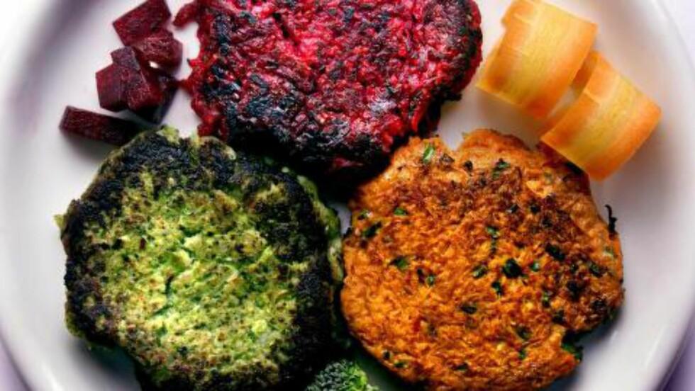 GRØNN JANUAR: Litt mye kjøtt i det siste? Gulrot kan brukes til det meste. Her gulrot,- brocolli,- og rødbetburger. Foto: DAGBLADET