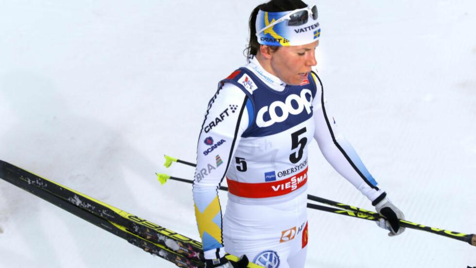 SLITER: Charlotte Kalla har vært forfulgt av uhell og falt på begge de to siste etappene i Tour de Ski. Foto: Terje Pedersen / NTB scanpix