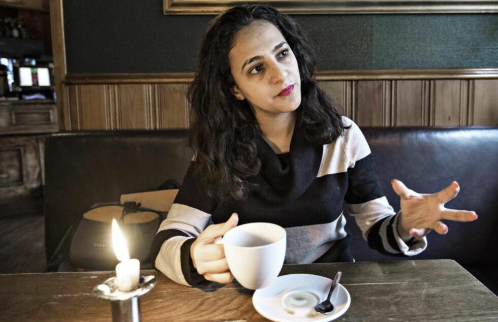 KRITISK TIL NORGE:   Den jemenittiske journalisten og aktivisten Wojoud Mejalli (29) ber norske myndigheter om å stoppe all salg av militært materiell til de arabiske landene som deltar i borgerkrigen i hjemlandet hennes. Foto: Hans Arne Vedlog  / Dagbladet