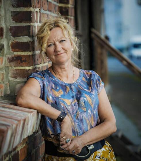 FORTIELSE: I romanen skriver Trude Teige om hvordan hemmeligheter påvirker flere generasjoner.