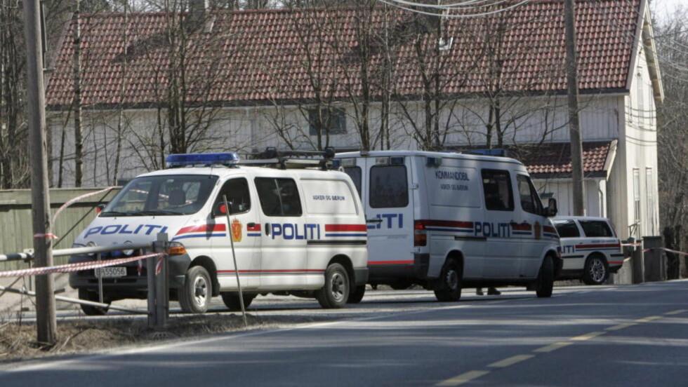 2006: I april 2006 ble en mann skutt og drept av politiet ved Skui i Bærum. Under aksjonen ble en politimann skutt i halsen. Hendelsen i 2006 er sist gang en person ble skutt og drept av politiet før aksjonen i Hedmark i dag. Foto: Terje Bendiksby / NTB SCANPIX