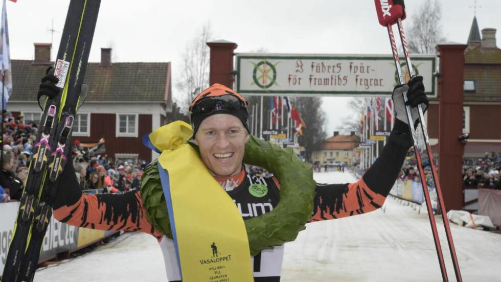 VANT: Petter Eliassen, her fra seieren i Vasaloppet i fjor, vant langløpet Jizerska Padesatka i dag. Foto Ulf Palm / TT / Kod 9110