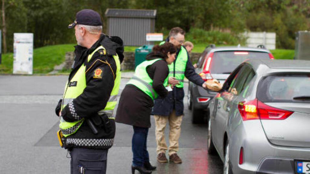 ÅPNINGSDAG:  Politiet møtte også opp på lanseringsdagen. Foto: Trygg Trafikk