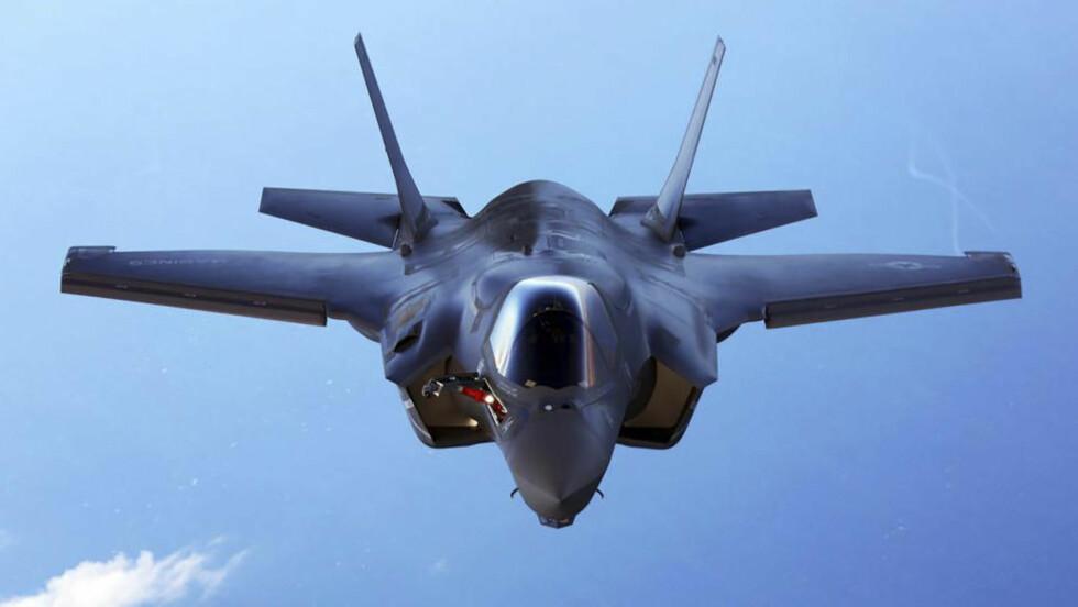 MULIG FLYKUTT: Norge skal etter planen kjøpe inntil 52 kampfly av typen F-35. Nå mener eksperter at forsvaret kan bli tvunget til flykutt. Foto. Reuters / NTB scanpix