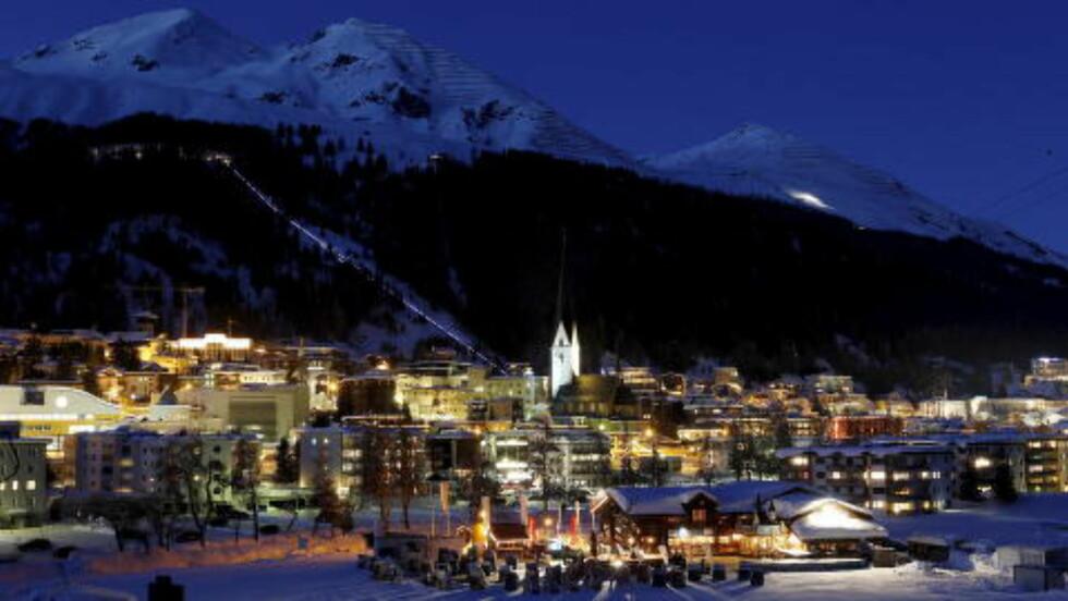 DAVOS: Flere av verdens rikeste og statsledere fra hele verden møtes til diskusjoner under samlingen World Economic Forum som begynner i Davos i Sveits mandag. Foto: NTB Scanpix / Reuters / Arnd Wiegmann