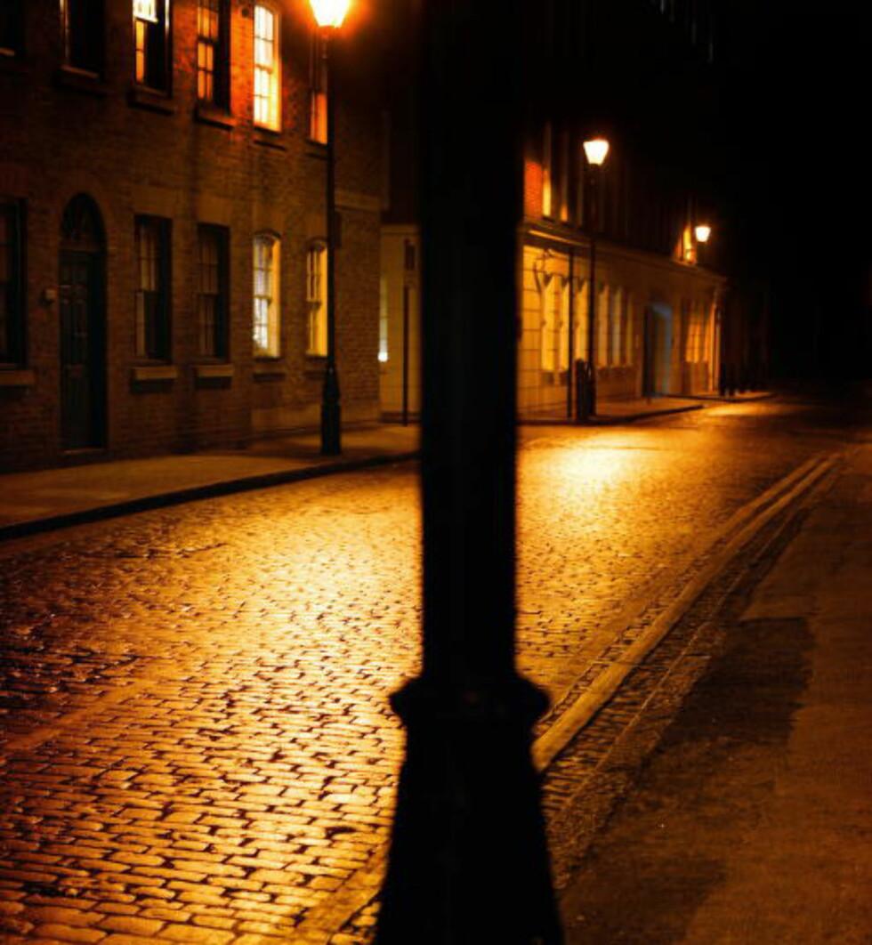 ÅSTED: Bydelen Whitechapel. Her ble ett av seriemorderen Jack the Ripper sine ofre, Mary Kelly funnet. Firmaet London Walks arrangerer historiske vandringer, som Jack the Ripper Walk rundt i Londons gater.  Foto: Nina Ruud/Dagbladet