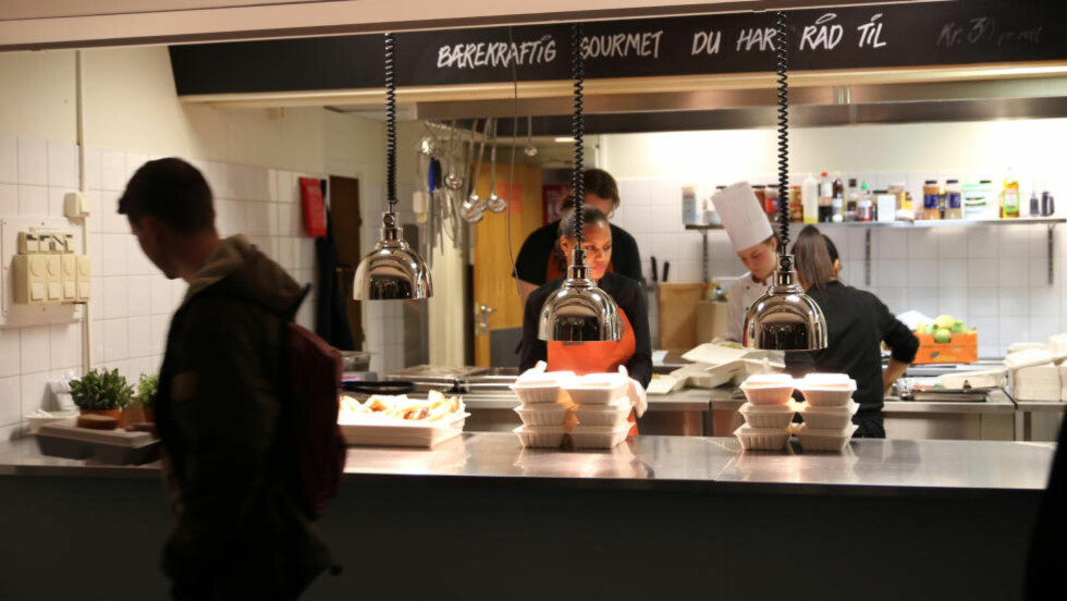 BÆREKRAFTIG GOURMET : Siden åpningen 30.september har det vært fullt hus og utsolgt hver dag på Kutt Gourmet på Blindern. Foto:TINE FALTIN