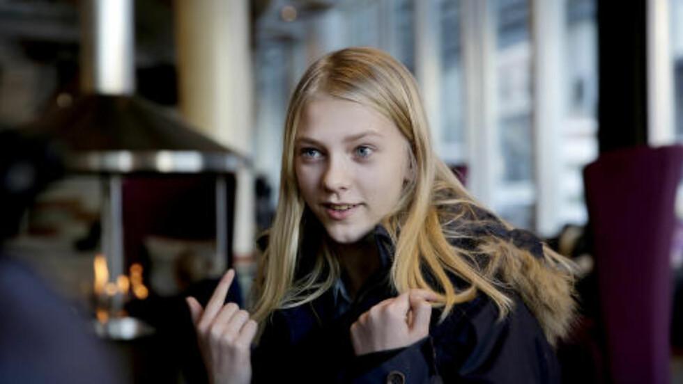 OVERBEVIST: 12 år gamle Mira Marie Magnus Folkestad er overbevist over at hun ble healet av Snåsamannen. Foto: Henning Lillegård / Dagbladet