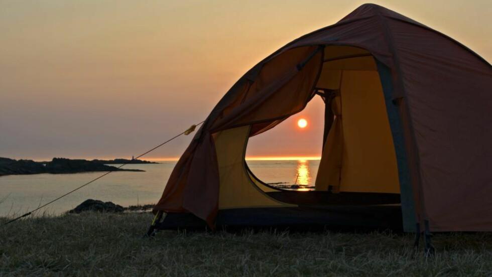 TETT I TELT:  Politiet i Troms har markert hvor grensene går på telttur. Illustrasjonsfoto: Bjørn Jørgensen, Samfoto/NTB Scanpix.