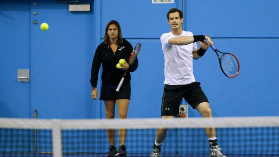 KRITISK: Andy Murray tar et oppgjør med behandlingen av sin hans kvinnelige trener Amélie Mauresmo. Foto: REUTERS/Jason O'Brien
