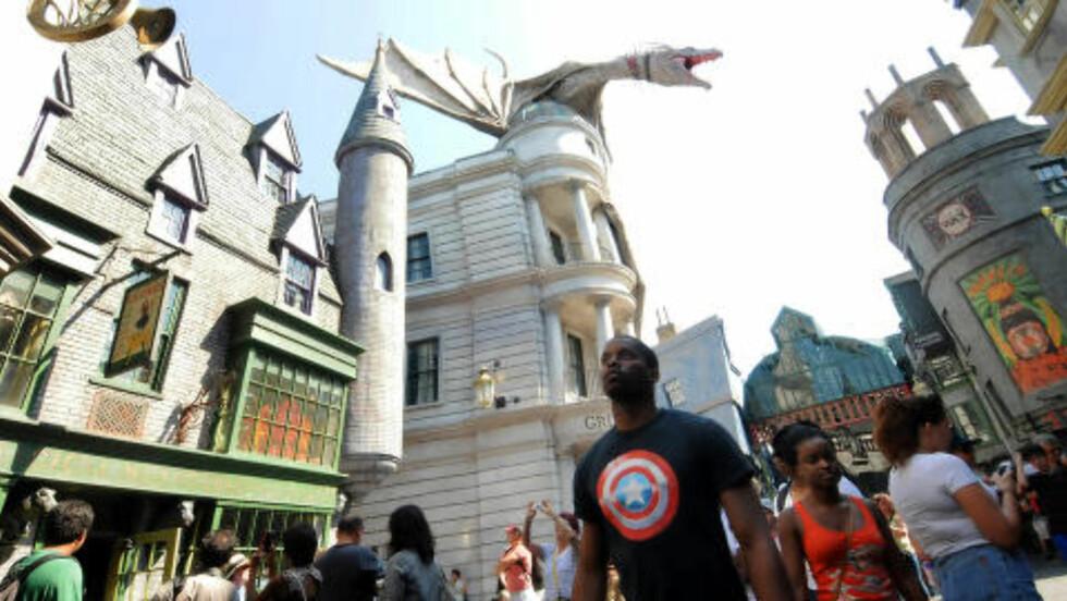 ORLANDO: The Wizzarding World of Harry Potter i Universal Orlando Resort, er en av de mest populære attraksjonene. Foto: PAUL HENNESY / POLARIS / NTB SCANPIX