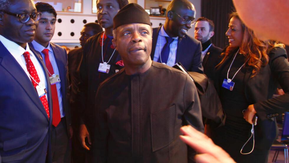 VISEPRESIDENT: Nigerias visepresident Yemi Osinbajo er i Davos på Verdens økonomiske forum. Foto: Tore Bergsaker