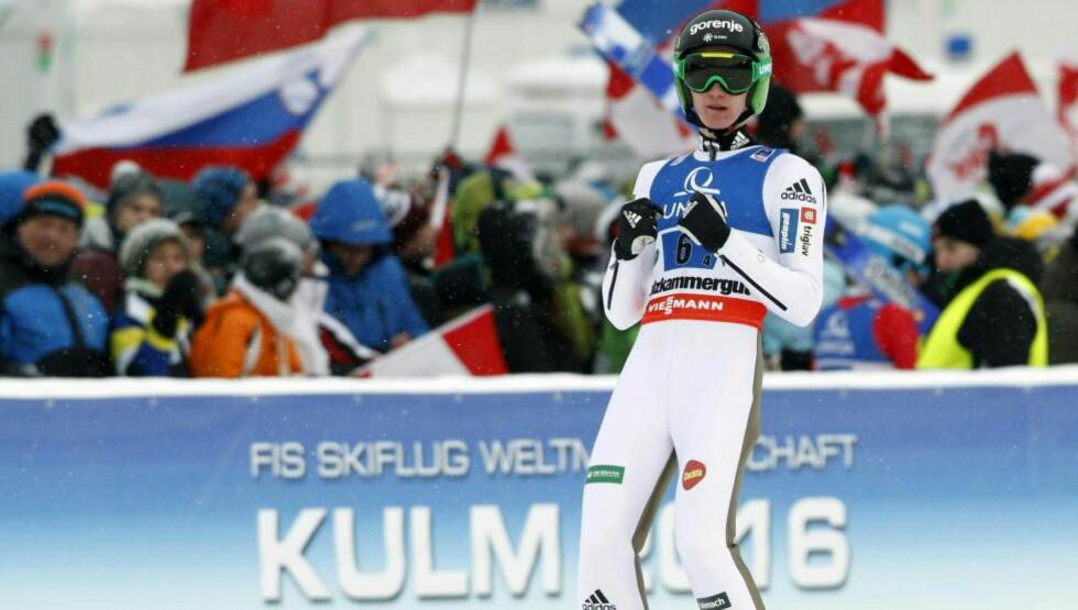 SKUFFET: Peter Prevc sviktet overraskende nok i andrehoppet. Foto: AFP / APA / ERWIN SCHERIAU / Austria OUT