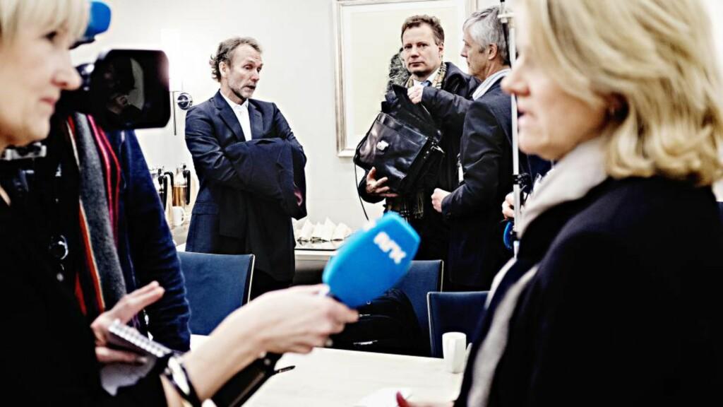 Ga støtte: Harald Magnus Andreassen, Steinar Holden og Hilde Bjørnland er enige i regjeringens økonomiske politikk. Her fra en tidligere seanse i Finansdepartementet. Foto: Are Haram / Finansavisen