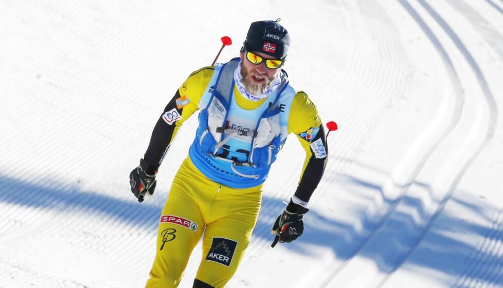 INSPIRERT: Martin Johnsrud Sundby så bare ryggen på Petter Eliassen da de ankom Lillehammer i mars. Og han ble imponert over det han så. Foto: Heiko Junge / NTB scanpix