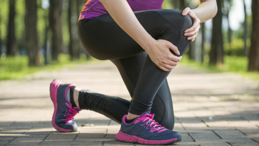 BETENNELSE: Knetrøbbel er svært vanlig hos løpere, og løperkne med smerter på utsiden av kneet er en av skadene som opptrer hyppigst. Foto: PR Image Factory / Shutterstock / NTB scanpix
