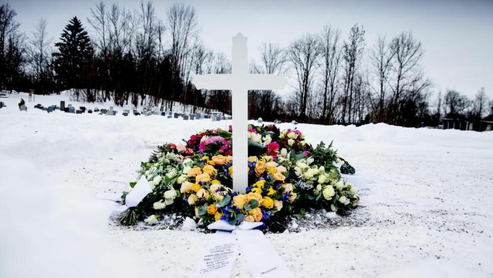 BEGRAVET:  Den  13-år gamle jente som ble funnet død på hytta i Valdres, ble i januar begravet ved Steinsskogen gravlund  i Bærum . Foto: Bjørn Langsem / Dagbladet