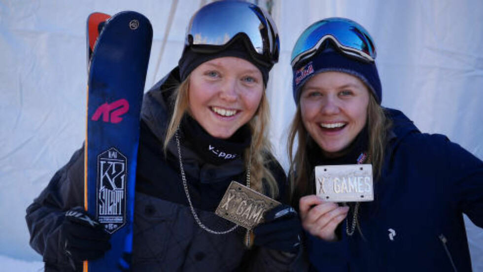 MEDALJEJENTER: Johanne Killi (t.v.) og Tiril Sjåstad Christiansen fikk bronse- og sølv i slopestyle i X Games i Aspen, lørdag. Foto: Norges Skiforbund / NTB scanpix