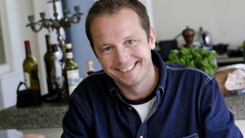 KJØTTMANN: Dagbladets matskribent Andreas Viestad mener vi har endt opp med et veldig skeivt kjøttforbruk. Hans råd til dem som vil spise mindre kjøtt er å starte med det kjøttet de har minst utbytte av. Foto: METTE RANDEM