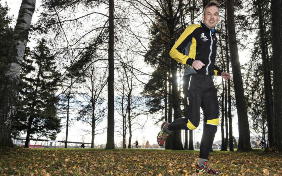 GODT GRUNNLAG: Ultraløper Einar Iversen (57) skal utfordre seg selv i et løp over 48 timer inne på Bislett stadion. Grunnlaget er iallfall godt, 57-åringen løper gjerne seks timer i uka, med en ordentlig langtur en gang i uka. Foto: Hans Arne Vedlog
