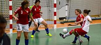 Landslag for døve skal til VM i Thailand - spillerne må betale alt fra egen lomme