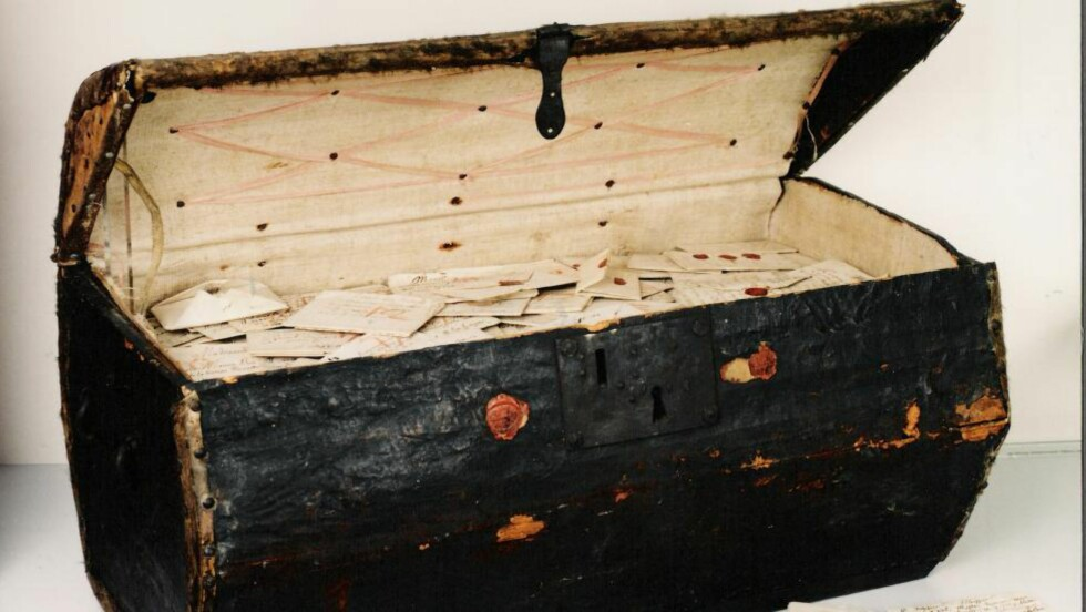 KULTURSKATT: En over 300 år gammel kiste full av brev kan avsløre mer om 1600-tallets dagligliv. Foto: Museum voor Communicatie, Haag