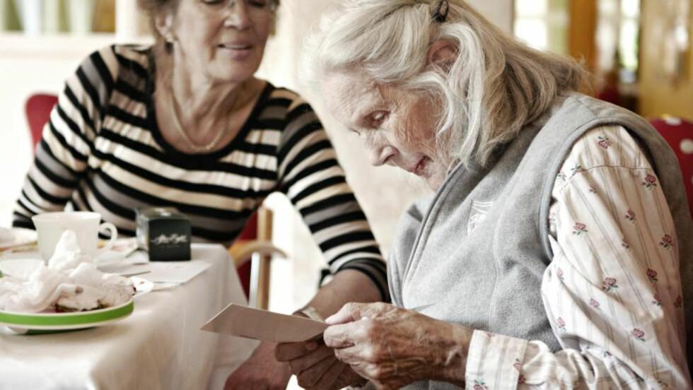 FÅR DEMENS: Hvis du får demens, blir pengene dine låst for arvingene så lenge du lever. Løsningen kan være å opprette en framtidsfullmakt. FOTO: NTB SCANPIX