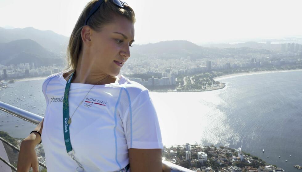 POPULÆR: Amanda Kurtovic får mest oppmerksomhet av gutta. Foto: Erik Johansen / NTB scanpix