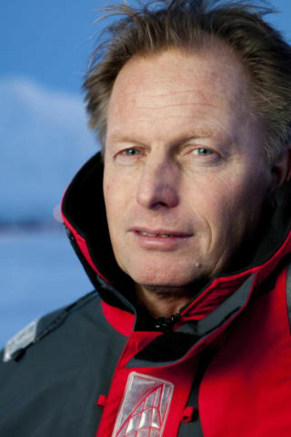 MOT STRØMMEN: Pål Brekke er uenig med flertallet av klimaforskere og mener sola spiller en større rolle for klimaendringene enn antatt. Nå kan han få teorien testet i det han beskriver som et stort eksperiment fra naturens side.  Foto: NTB Scanpix
