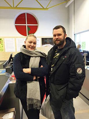 STAMKUNDER: Helena Andersen (31) og Dag Gundersen (37) har vært ofte i Vestby siden Holdbart åpnet butikk der. Dagbladet traff dem i vinter på handletur fra Son. Foto: TINE FALTIN