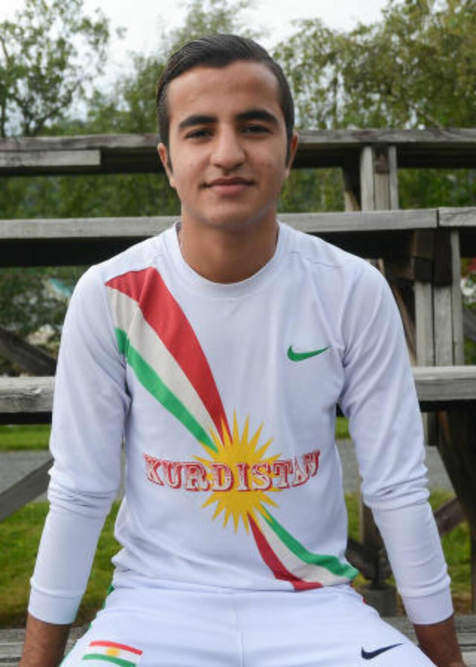 GLEDER SEG: 18-årige Warhel Suleman fra Kurdistan deltar også i turneringa for første gang. Han ser spesielt frem til møte med juniorlaget Kurdistan FC, som kommer til Norge for å delta i Norway Cup.