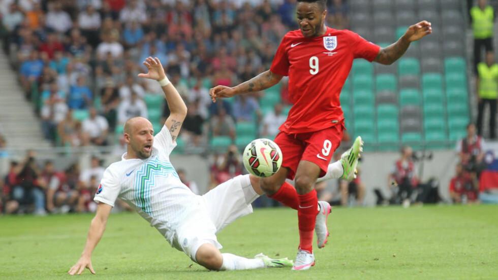 BYTTER KLUBB: Raheem Sterling, her i aksjon for England mot Slovenia, har signert for Manchester City. Foto: Scanpix