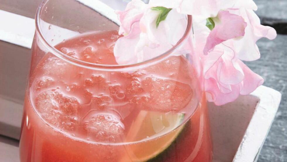 MAITAI:  Verdensberømt drink, skapt i USA, men døpt av en kvinne fra Tahiti. Foto: ALL OVER PRESS
