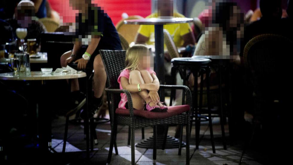 SI IFRA: Ser du et barn bli utsatt for omsorgssvikt, si ifra! Det verste du kan gjøre, er å ikke si noe i frykt for å ødelegge for familien. - Ofte kan det gi dem en a-ha-opplevelse, forteller Alarmtelefonen. Illustrasjonsfoto: Thomas Rasmus Skaug / Dagbladet
