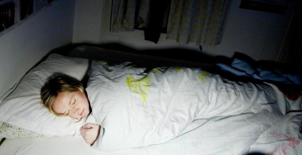 INSOMNI: 1 av 7 nordmenn har kronisk insomni, og svært få av dem behandles slik ekspertene anbefaler. Foto: Torbjørn Grønning