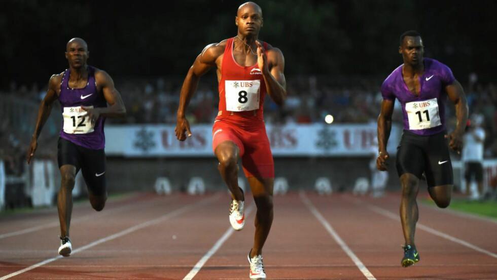 SEIER: Jamaicanske Asafa Powell løp inn til tiden 9,87 på 100-meteren under et friidrettsstevne i sveitsiske Bellinzona tirsdag. Det holdt til seier. Foto: EPA/GABRIELE PUTZU