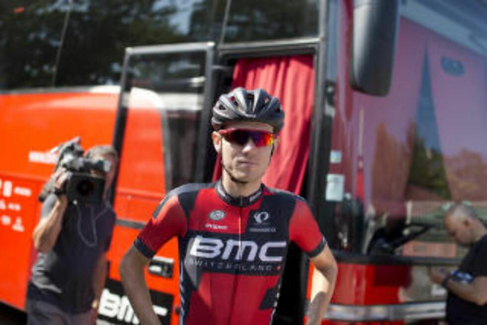 SLET: Tirsdag fikk Tejay van Garderen en etterlengtet hviledag i touren, men det hjalp ikke under onsdagens tøffe etappe. (AP Photo/Peter Dejong)