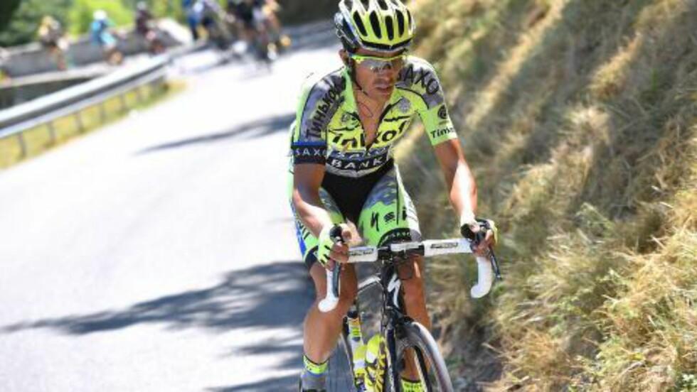 ANGREP: Men Contador endte bare opp med å skade seg selv. FOTO: Tim De Waele/TDWSPORT.COM