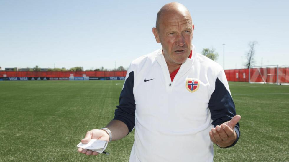 VENT TIL NESTE RUNDE:Toppfotballsjef Nils Johan Semb gleder seg over de norske lagenes prestasjoner i Europa, men mener Fotball-Norge først får svar på om det er fremgang i neste runde.   Foto: Berit Roald / NTB scanpix