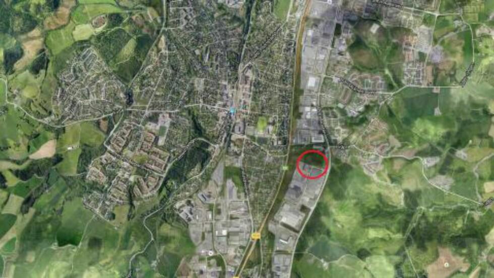 BLE FUNNET VED ISDAMVEGEN:  Politiet fant i dag en død person ved Isdamvegen på Østre Rosten i Trondheim kommune. Foto: Google maps