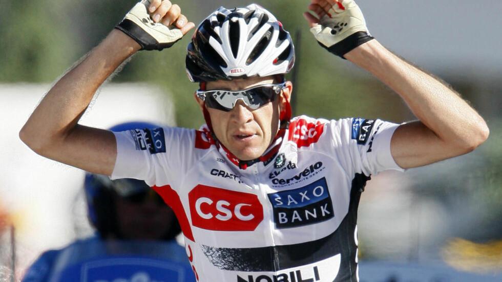 KNAKK ALLE: Carlos Sastre knuste konkurrentene opp til Alpe d'Huez i 2008 og vant til slutt den gule trøya. Foto: Regis Duvignau / Reuters
