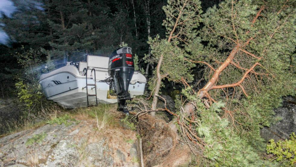 FYLLEKJØRING: Politiet sier de tre mennene om bord i båten hadde drukket alkohol. Foto: Ole Henrik Hansen / Aust-Agder Blad / NTB Scanpix
