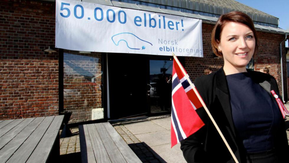 ØNSKER FLER: Generalsekretær i Norges Elbilforening, Christina Bu jobber for et bredere nettverk av ladestasjoner i Norge. Foto: Norges Elbilforening