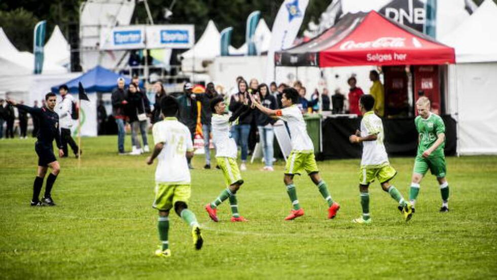 KNUSTE MOTSTANDERNE: Team Azad banket Nest-Sotra 4-0. Foto:Thomas Rasmus Skaug