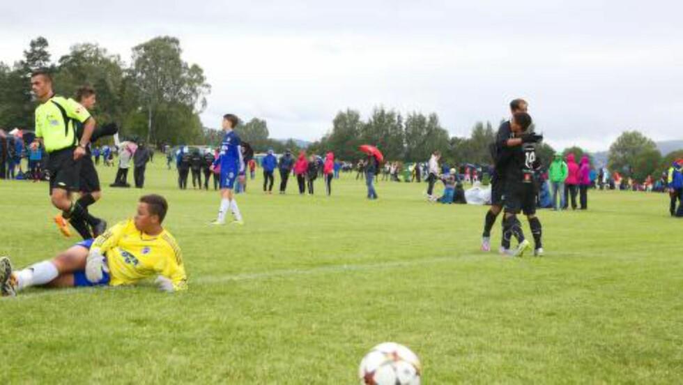 """TRAVEL SØNDAG: Oppsals keeper Marcus Kaiihura fikke en travel dag """"på jobb"""" da laget møtte en av favorittene i 16-årsgruppa, Karanba. Foto: Odd Roar Lange"""