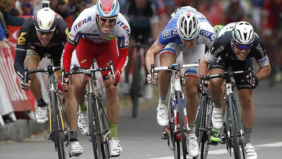 IKKE DENNE GANG: Etter fjorårets tour-suksess, ble det et noe skuffende ritt for Alexander Kristoff i år. Her fra den femte etappen. Foto: EPA/YOAN VALAT