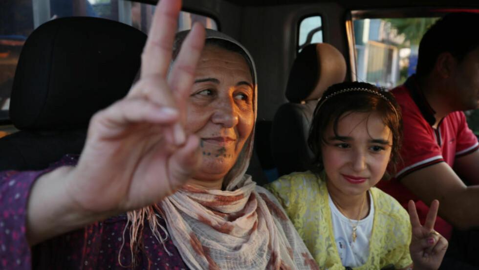 SIER FRA: Kurdere i Erbil i kurdisk Irak demonstrerer til støtte for PKK, og mot regjeringen i Tyrkia. Foto: Bram Janssen / AP / NTB Scanpix