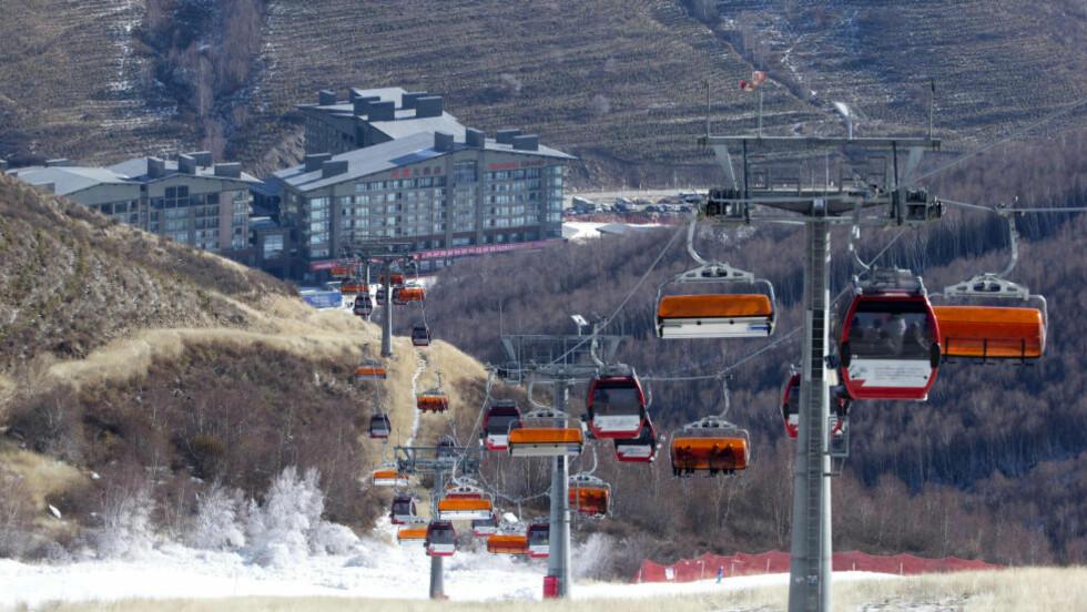FORRIGE VINTER:  Slik så det ut i alpinanlegget i fjor vinter. Bildet er tatt 6.desember. Foto: NTB Scanpix