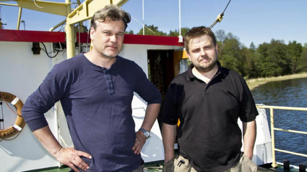 VRAKJEGERNE: De svenske vrakjegerne hevder de har funnet en russisk ubåt på bunnen av den svenske østkysten. Dennis Åsberg og Peter Lindberg gjorde funnet. De hevder videre at de så kyrilliske tegn på skroget.   Foto: Ocean X Team